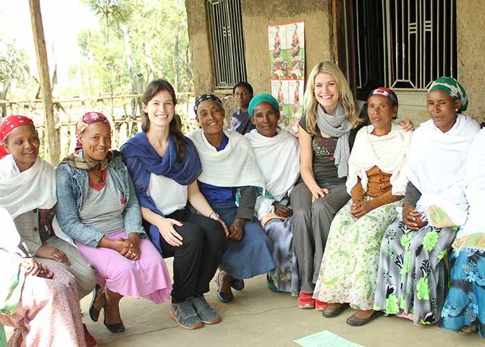 Olivia Rauscher bei SROI Fokusgruppe in Äthiopien