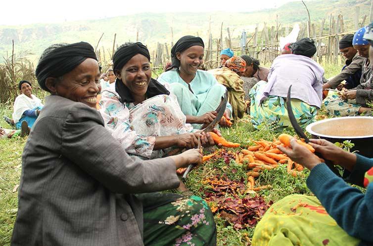 Frauen in Äthiopien bei einem Kochkurs