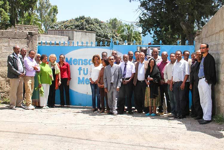 Team von Menschen für Menschen in Äthiopien